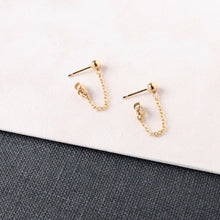 Load image into Gallery viewer, Small chain hanging earring made with recycled gold. Sustainable and modern earring.