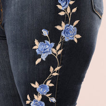 Load image into Gallery viewer, Mom Flower Embroidered Jeans