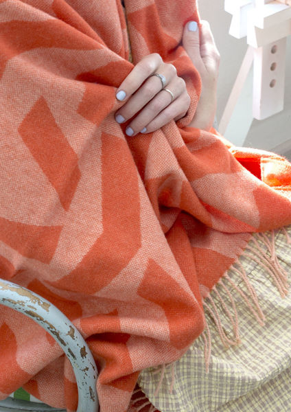 Silkeborg Uldspinderi ApS Dashes Throw 130x190 cm Throw 8206 Orange Rose