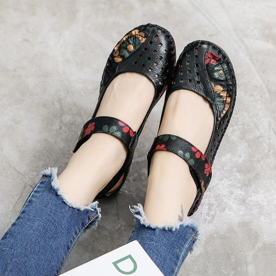 Retro Printed Sandals Women Summer New Leather Soft Bottom Hole Shoes