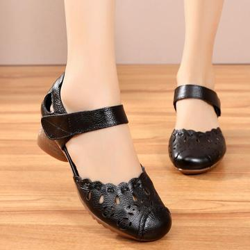 Women Breathable Hollow Leather Closed Toe Hook Loop Low Heel Sandals