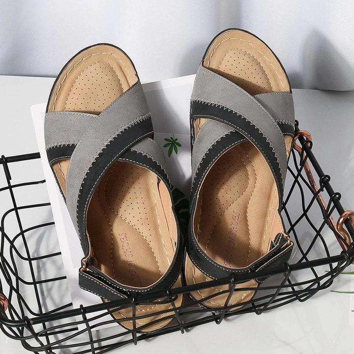 Women Splicing Peep Toe Adjustable Hook Loop Slingback Wedges Sandals
