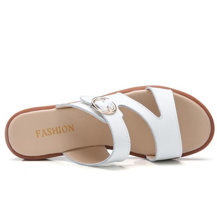 Women Flat Round Toe Metal Buckle Slippers