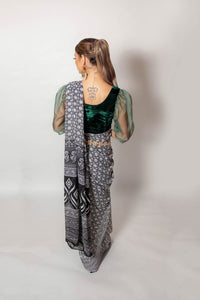 Black and White Lotus - Semi Stitched Saree