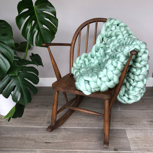 Learn to Arm Knit a Throw, Saturday March 2nd at Dagfields, Nr Nantwich