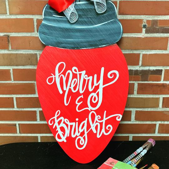 Christmas Light Bulb, Holiday Door Hanger, Merry Christmas