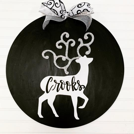 Reindeer on Circle Backing,  Door Hanger Christmas Decoration