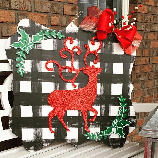 Reindeer on Plaque Backing,  Door Hanger Christmas Decoration