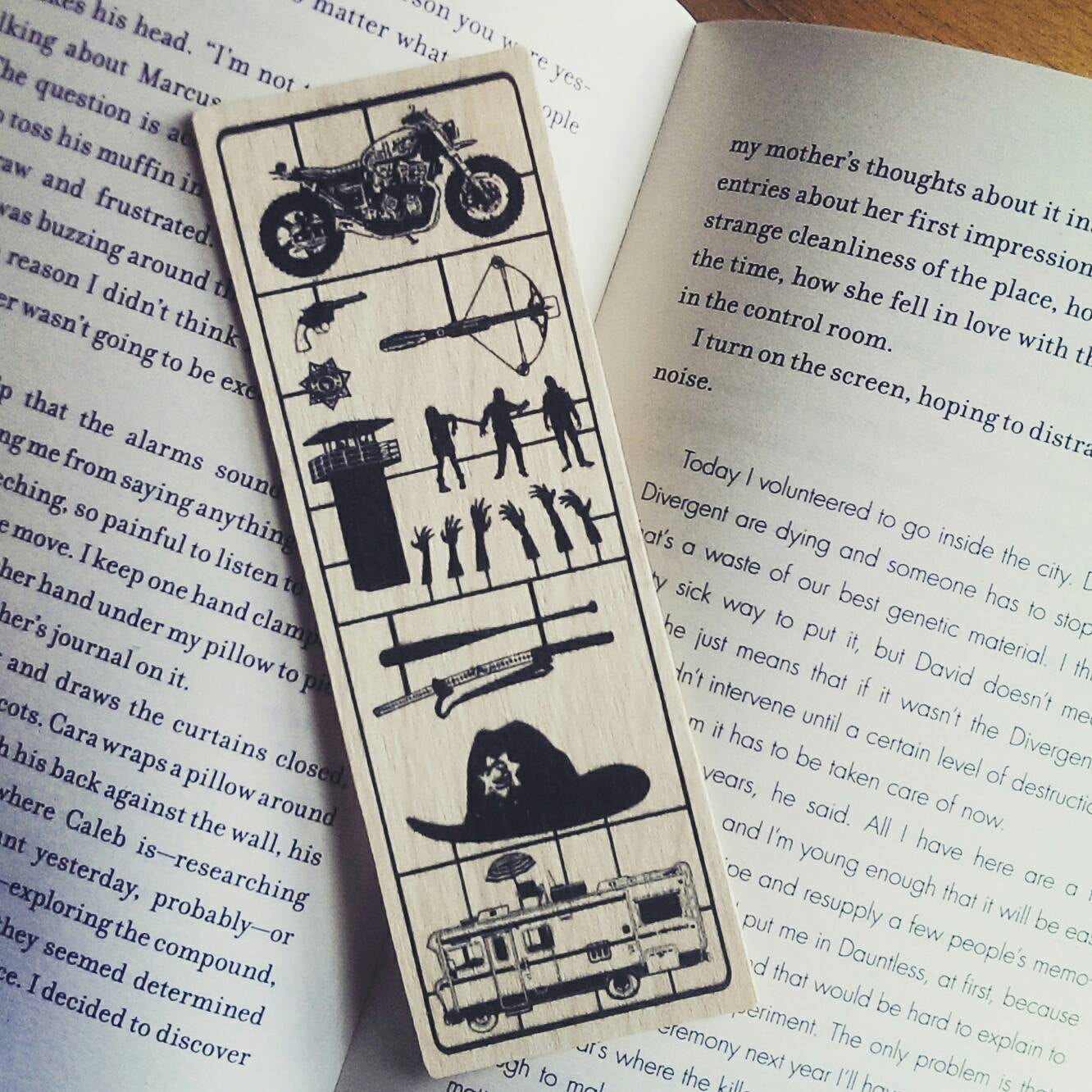 The Walking Dead - Fix Art - Wood Bookmark