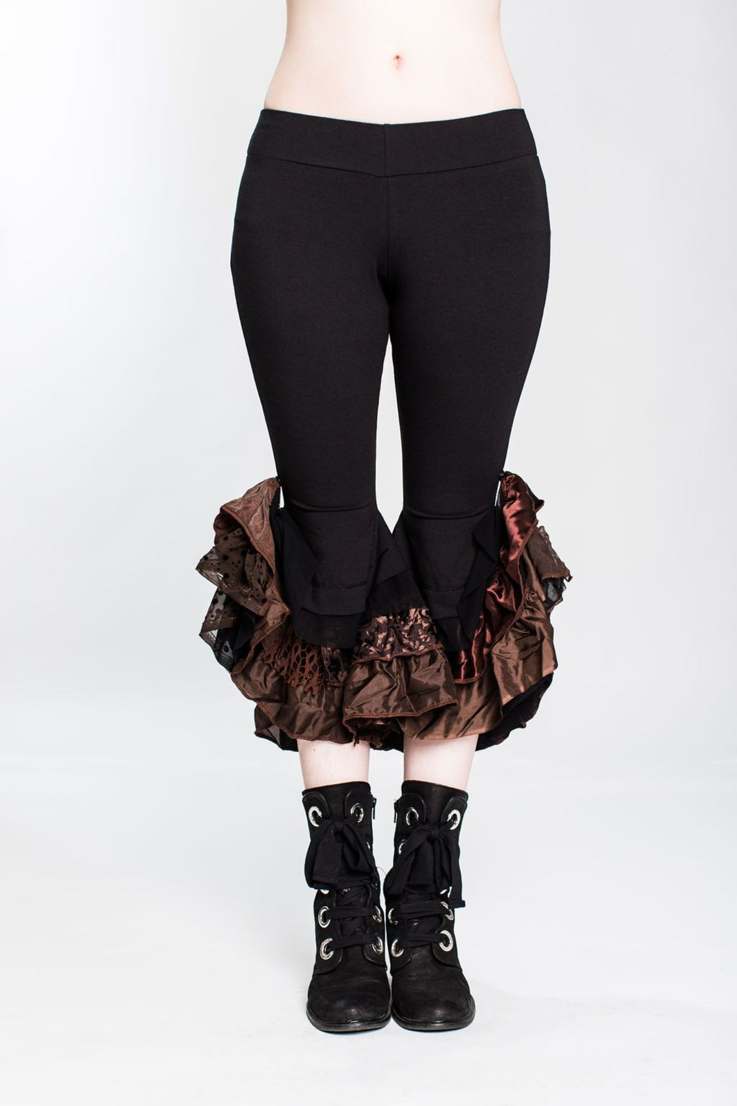 Black & Brown Monster Ruffle Capri