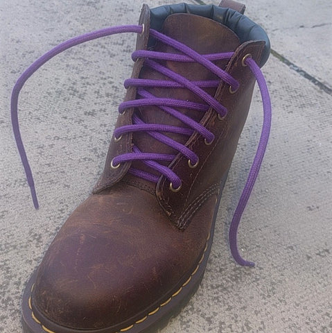 Thick waxed laces in Dr Martems boot