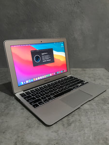 *Discounted Apple MacBook Air MD711LL/B