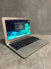 Load image into Gallery viewer, Apple MacBook Air MD711LL/B