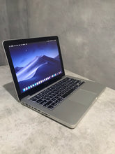 Load image into Gallery viewer, Apple MacBook Pro MD101LL/A