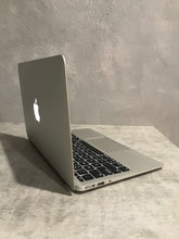 Load image into Gallery viewer, Apple MacBook Air MD223LL/A