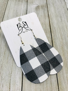 Wide Coco - White and Black Buffalo Plaid