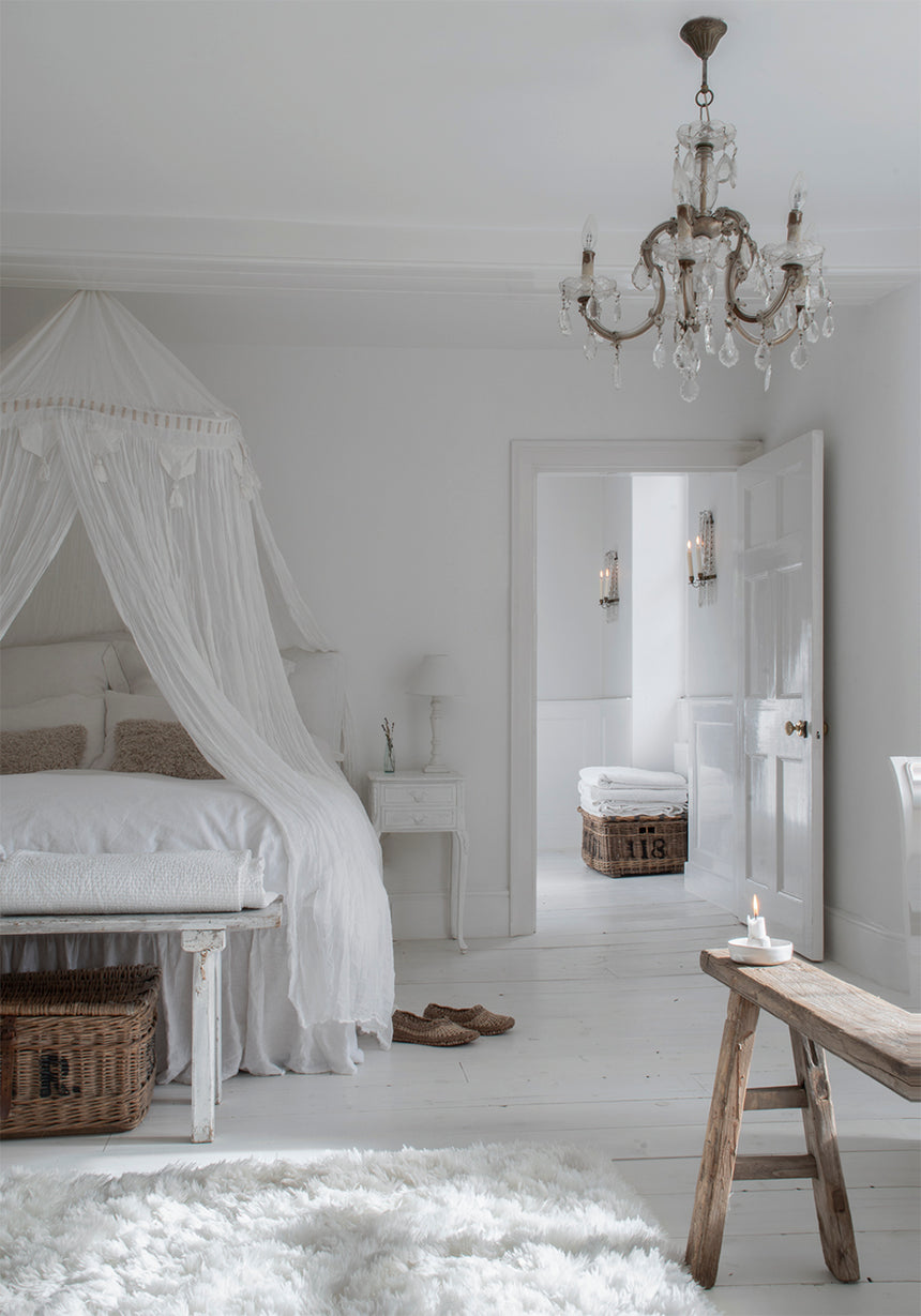 Tips to make your bedroom feel more like a luxurious hotel room