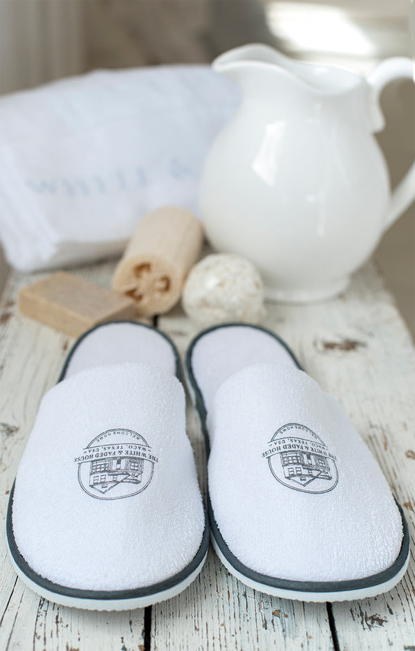 ***SALE 30%*** THE WHITE & FADED HOUSE Slippers