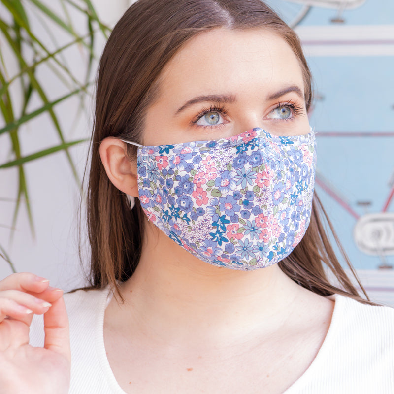 Blue floral face mask - Sarah Urban