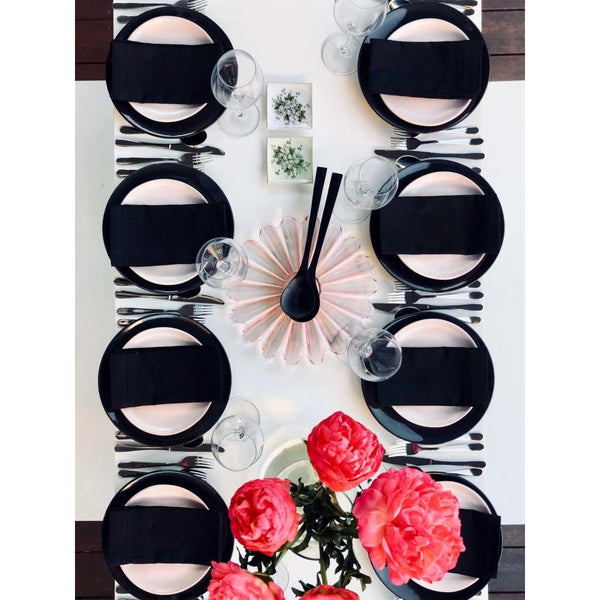 TABLE SETTING - Classic Dinner for 8 - Sarah Urban