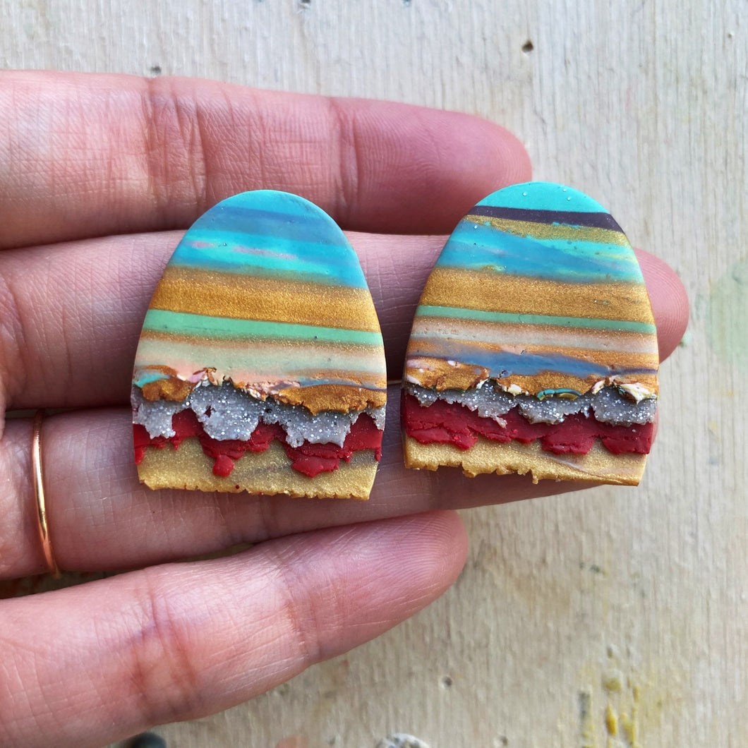 Maxi Textured Tac(tile)-Man Statement Studs (I Want These Painted On My Nails)