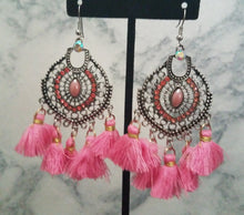 Load image into Gallery viewer, Dreamcatcher Earring