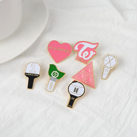 K-POP BTS Bangtan Boys LightStick Enamel pins BLACKPINK TWICE EXO GOT7 WANNA ONE SEVENTEEN LOGO Badges Jewelry