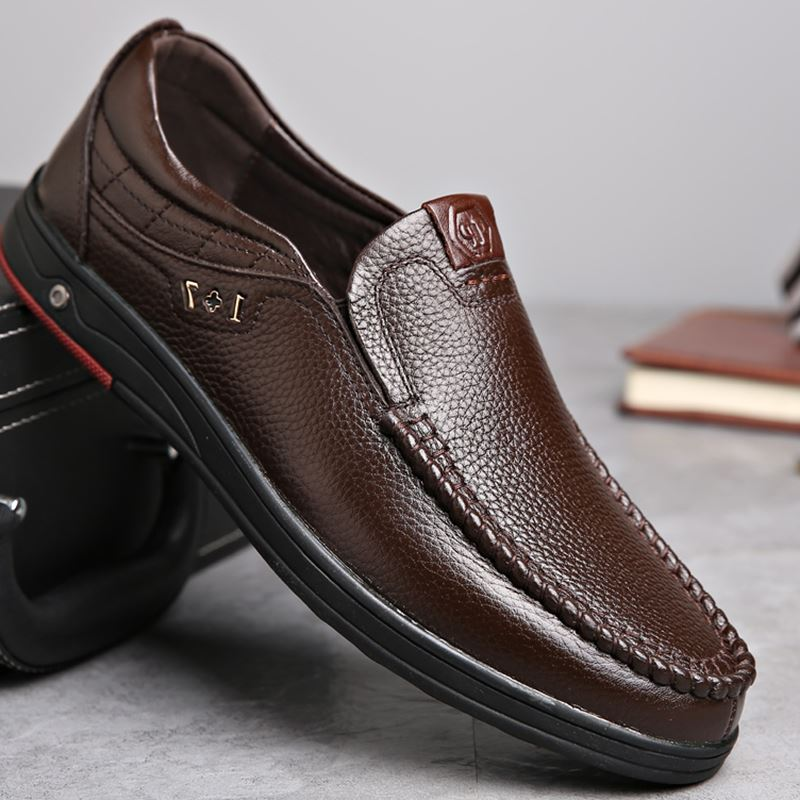 Plus Size Men Casual Leather Slip On Shoes