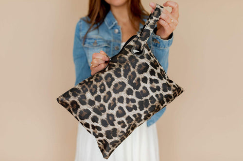 The Trendy Clutch- Leopard