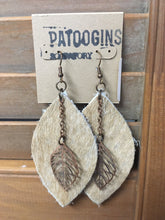 Load image into Gallery viewer, Earrings Leather and Leaf