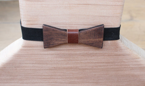 Batwing Wood Bow Tie With Leather Accent