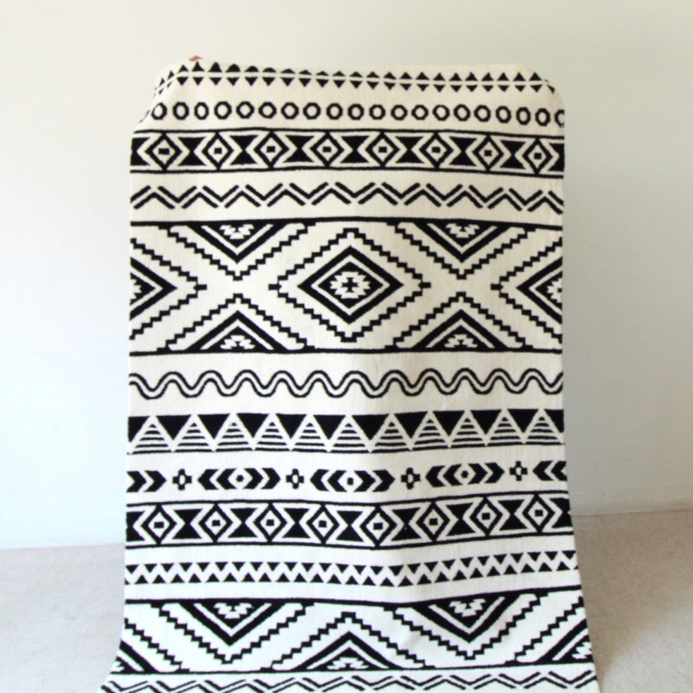 Lulu Black and White Rug