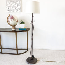 Load image into Gallery viewer, Arrow Floor Lamp
