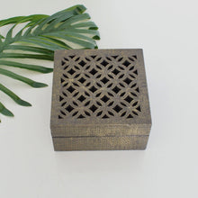 Load image into Gallery viewer, Hammered Brass  Jewelry Box