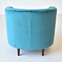 Load image into Gallery viewer, Teal Velvet Channeled Club Chair