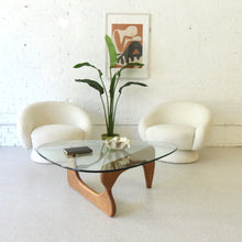 "Load image into Gallery viewer, ""Le Salle"" Sleek and Sculptural Chair"