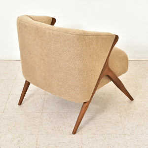 Park Avenue Chair in Almond