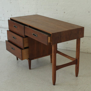BP John Single Pedestal Desk