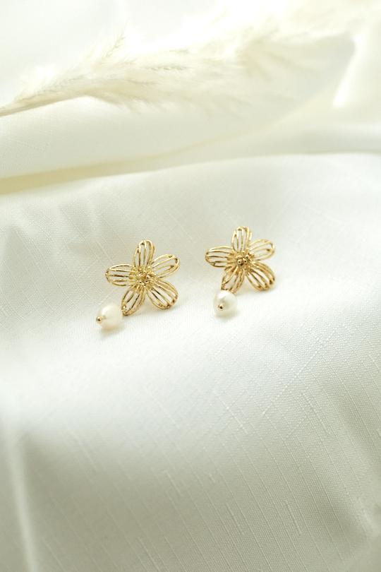 Daisie Earrings - Gold-Earrings-Womens Accessory-ESTHER & CO.