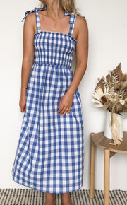 Laxed Dress - Blue Gingham