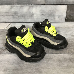 NEW Nike Little Max '95 sz 5c