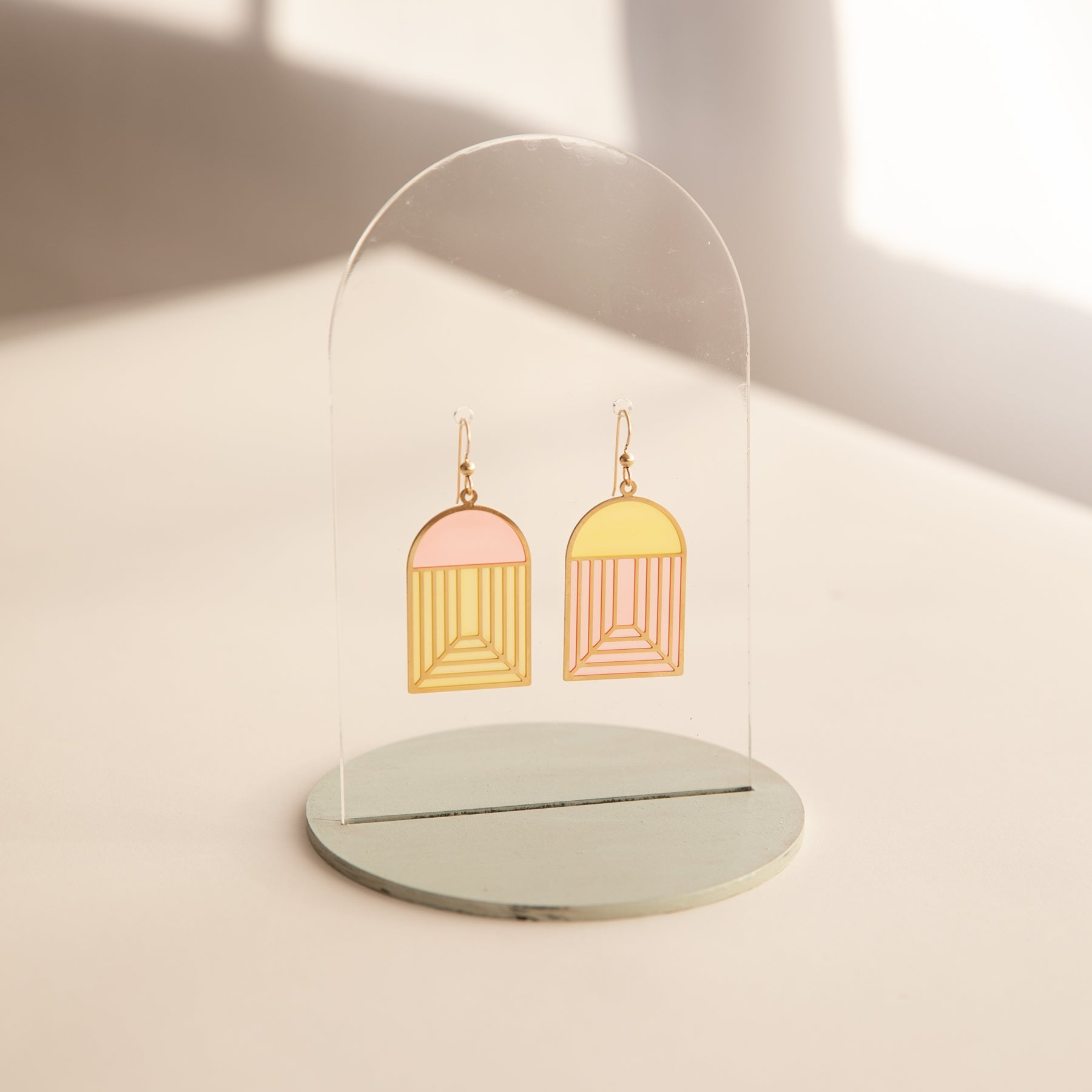 Arch - Translucent Earrings (Strawberry Lemonade)