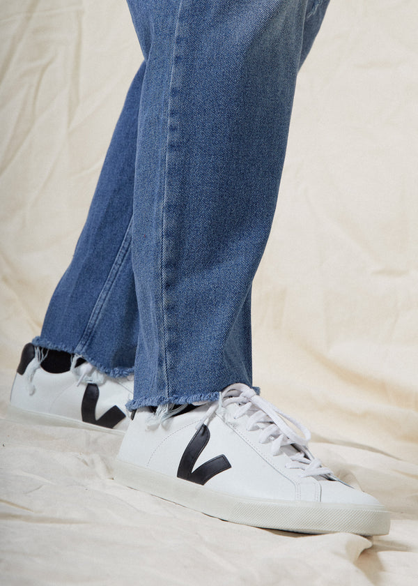 Blue Jeans: What Shoes Should You Wear?