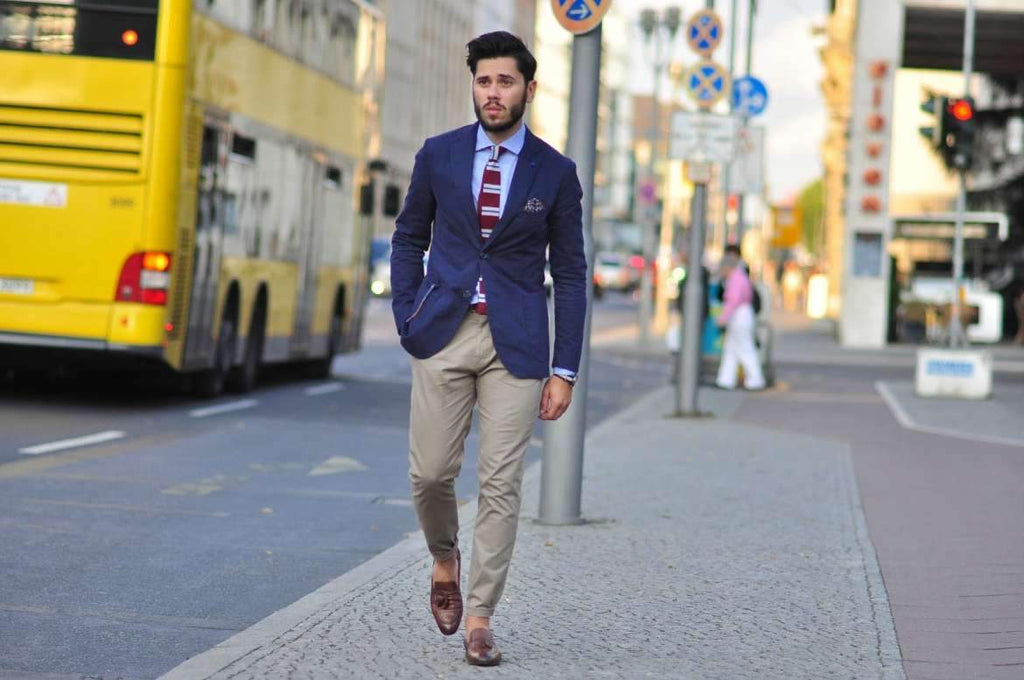 How to Wear a Navy Blazer