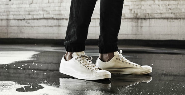 white low top converse black jeans|White hightop converse_233||Black t shirt with cuffed joggers and white converse_148||||CONVERSE Chuck Taylor All Star 70 Ox Natural Off White mens