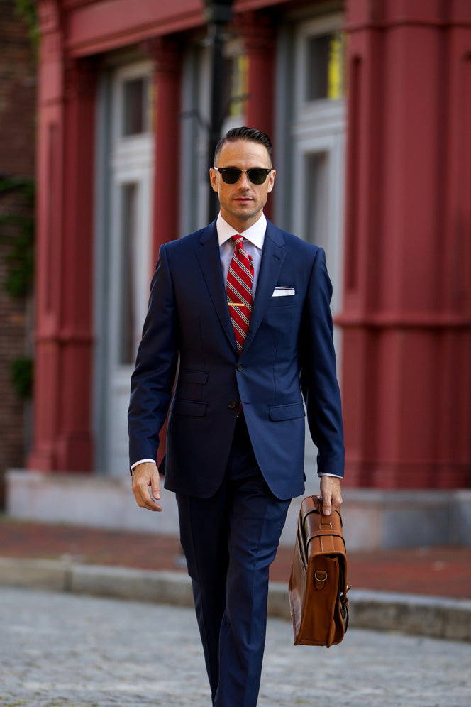 Shirt and Tie Combinations with a Navy Suit