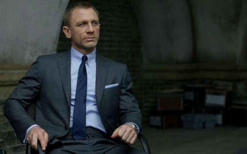 Daniel Craig suit look men