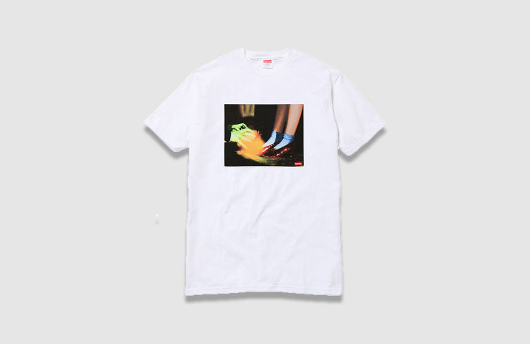 b6a504b42550 Supreme-wizard-oz-t-shirt-film-collaboration