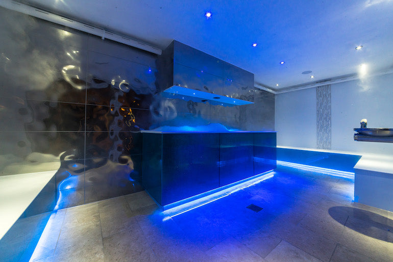 Thermae-Bath-Spa-Ice-Chamber-City-Mens-Lifestyle