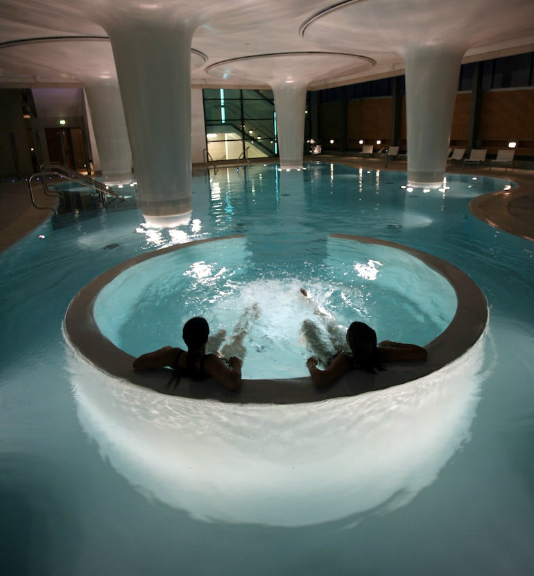 Thermae_Spa_Bath-Minverva-Pool-City-Mens-Lifestyle